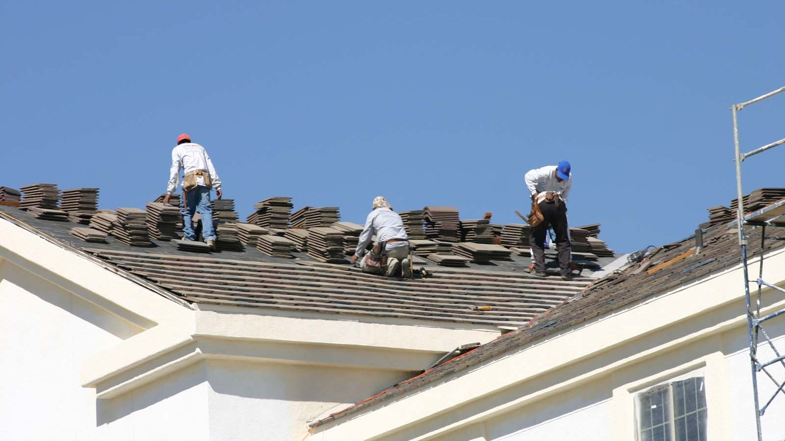 Discover the Finest Roof Repair Providers